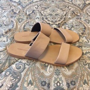 EUC Rebecca Minkoff Flat Sandals Sz 7 M Worn 2x